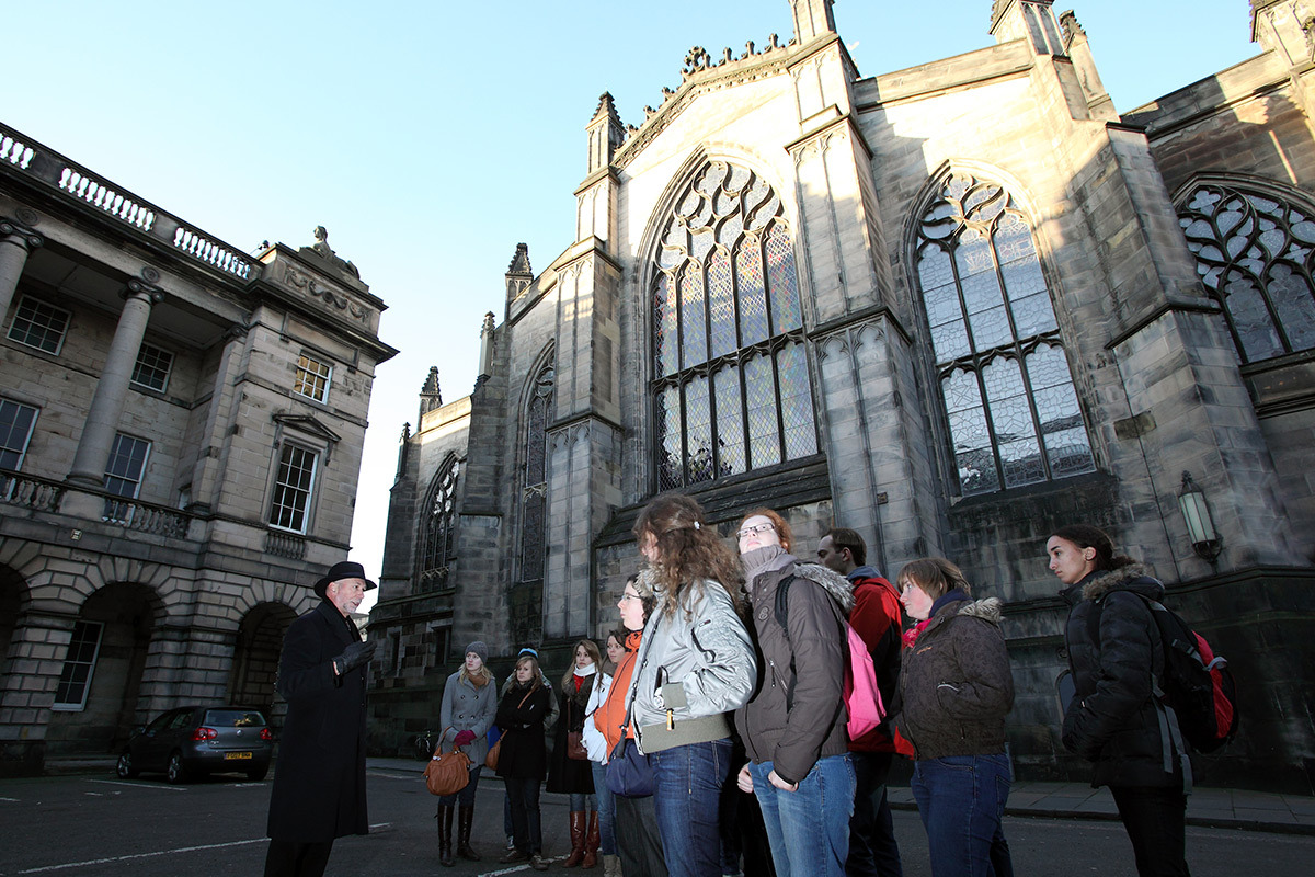 Secrets of the Royal Mile Tour and Entrance to Edinburgh Castle
