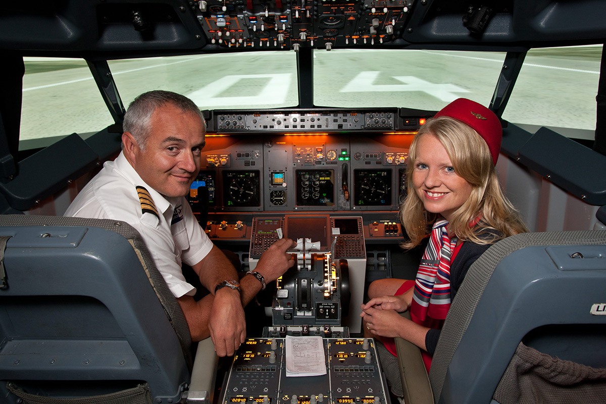 Flight Simulator Experience Aboard a Boeing 737 - 30 Minutes