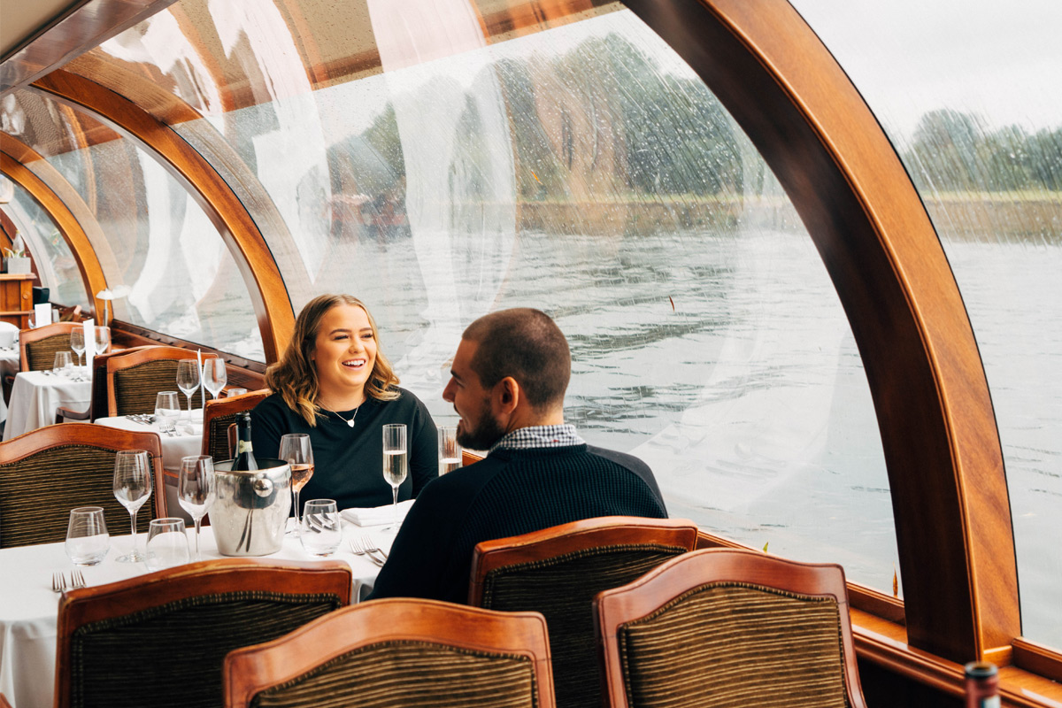Bateaux Windsor River Thames Sunday Lunch Cruise with Wine for Two