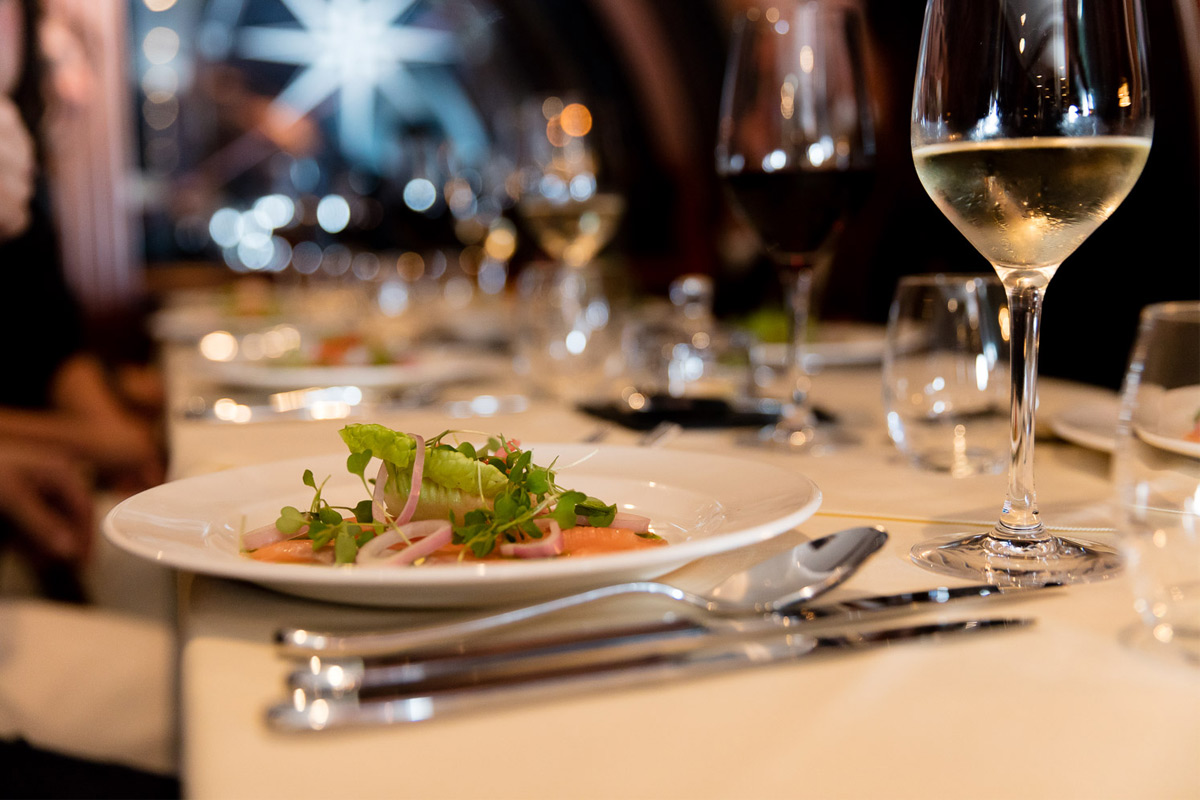 Bateaux Windsor River Thames Dinner Cruise for Two