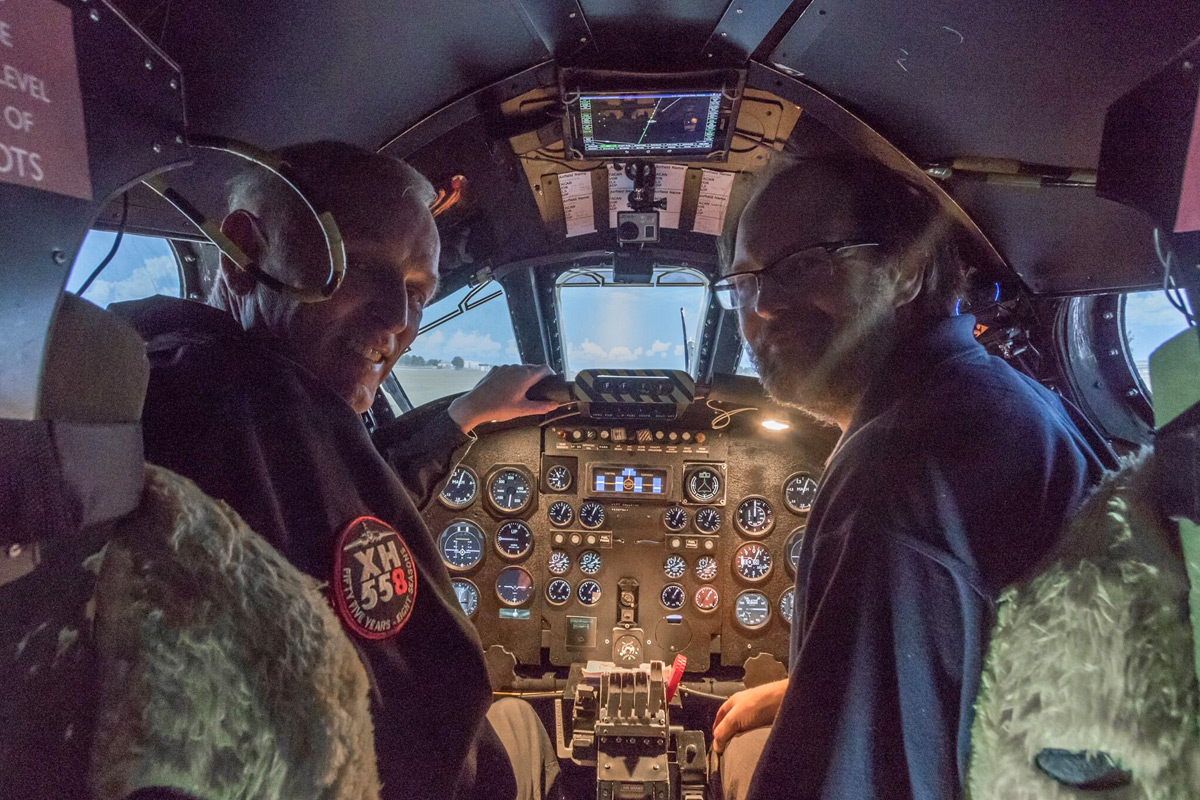 Fly the World's Only Vulcan Bomber Flight Simulator - 60 Minutes