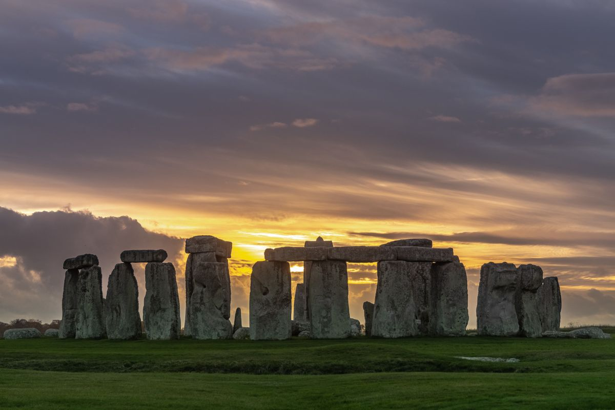 Immersive Tour of Stonehenge and Lunch
