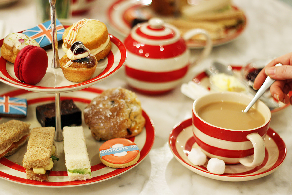 London Themed Afternoon Tea for Two at Biscuiteers ...