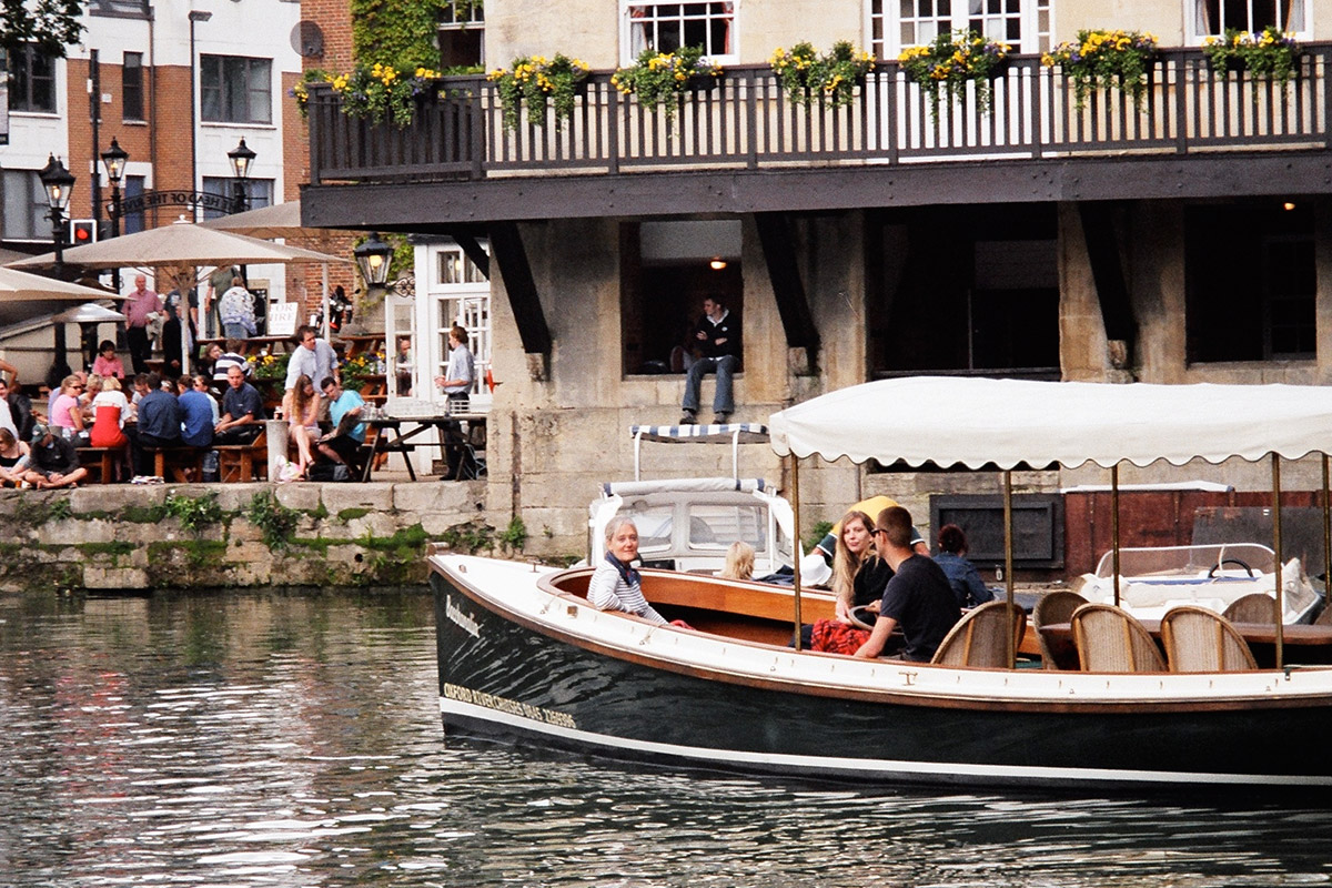 Oxford River Cruise and Three Course Meal with Wine for