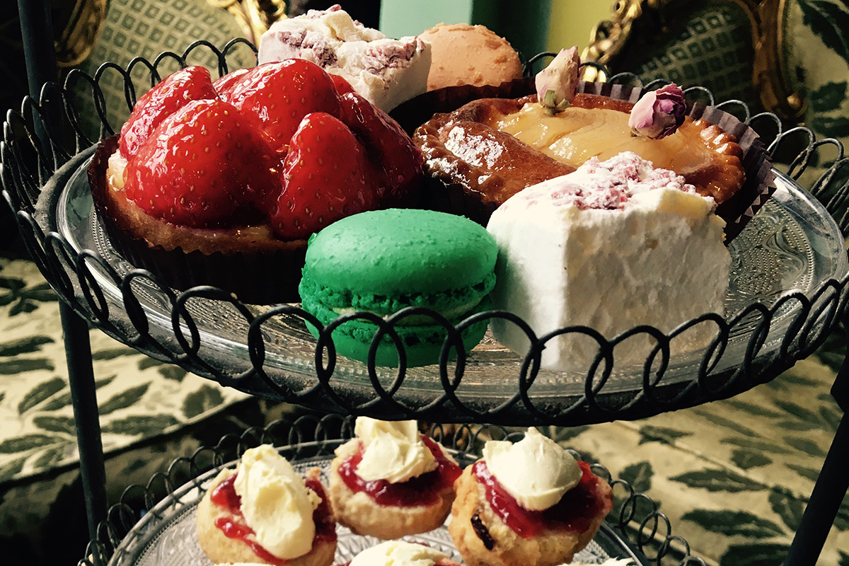 Prosecco Afternoon Tea for Two at Metrodeco Tea Salon, Brighton