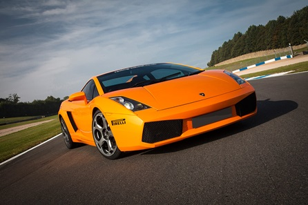 Fantastic Four Supercar Thrill at Top UK Race Tracks