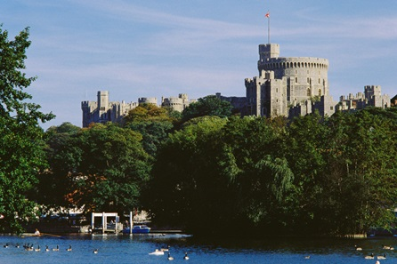 Visit to Windsor Castle and Afternoon Tea Cruise for Two