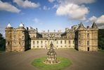 Visit to Palace of Holyroodhouse and Vintage Bus Sparkling Afternoon Tea Tour for Two